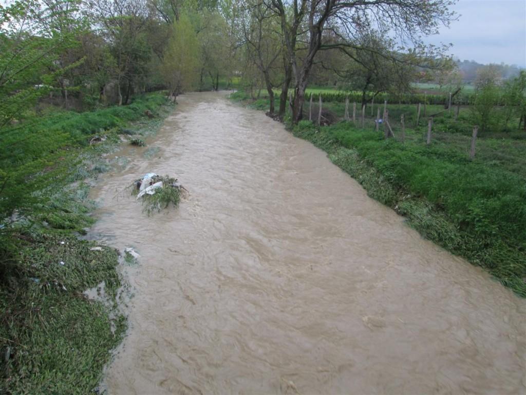 izlivanje reke